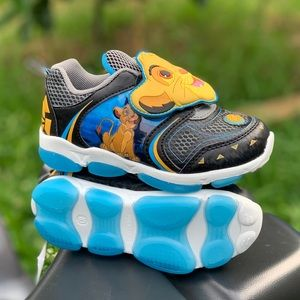 Disney Lion King Toddler Boys Light Up Shoes New